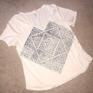 Old Navy relaxed t-shirt. Size L